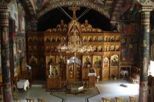 Iconostasi in una chiesa bizantina della Romania.