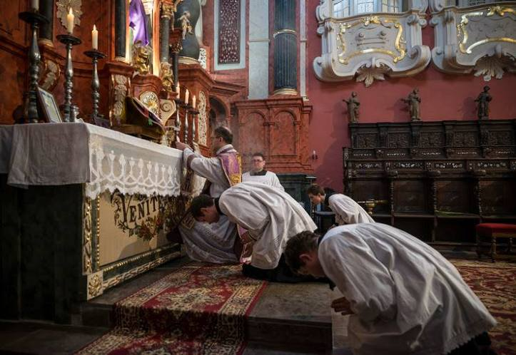 azione - 2 TLM-Bowing